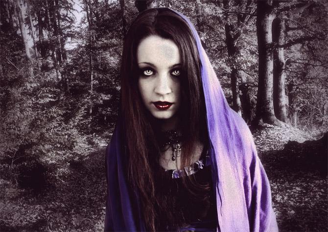 Девушка вампир и её пустой взгляд.